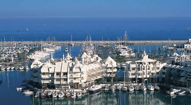 Benalmadena by ved kysten i Spania