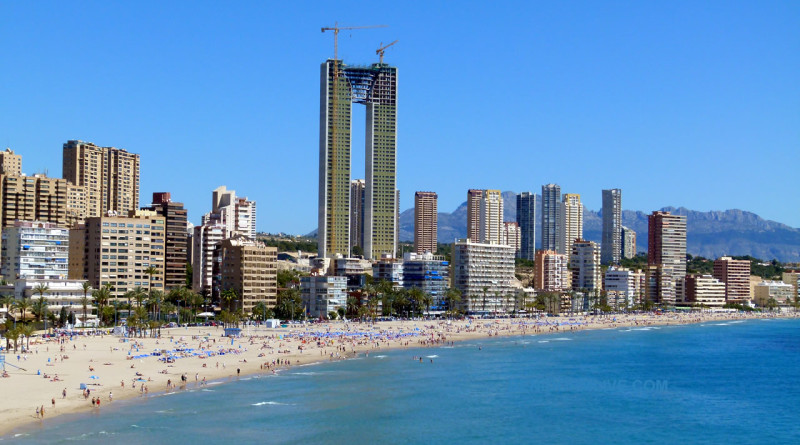 Benidorm by ved kysten Spania