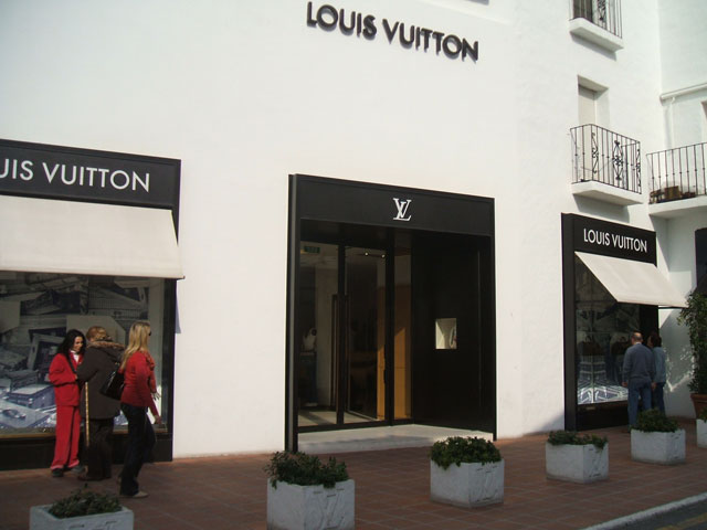 Shopping Louis Vuitton Puerto Banus