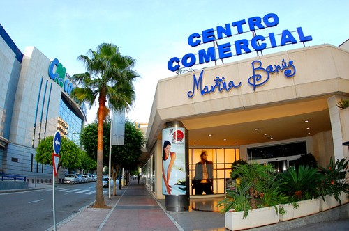 Shopping Marina Banus Puerto Banus