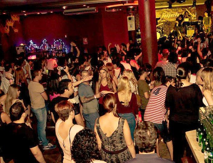 Uteliv i Alicante Club Camelot