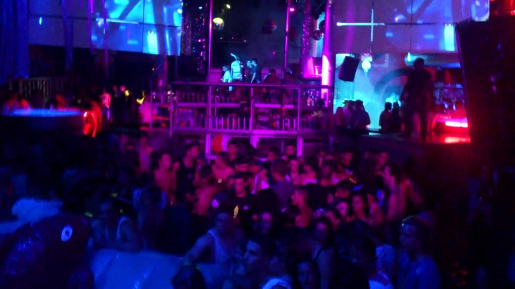 Uteliv i Alicante Discoteca Oz