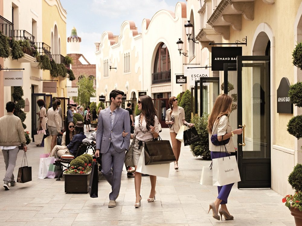 Barcelona shopping tips kj pesentre markeder i barcelona for La roca barcelona