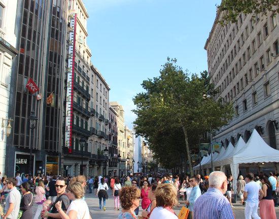 Portal de l`Angel i Barcelona