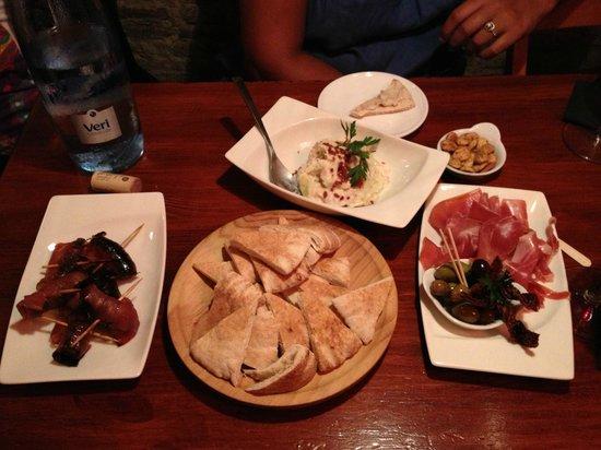 Ziryab Fusion Wine and Tapas Bar i Barcelona