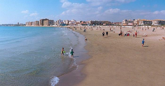 Playa de los Naufragos i Torrevieja
