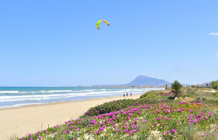 Stranden Les Deveses i Denia