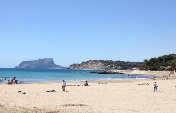 Stranden L`Ampolla i Moraira