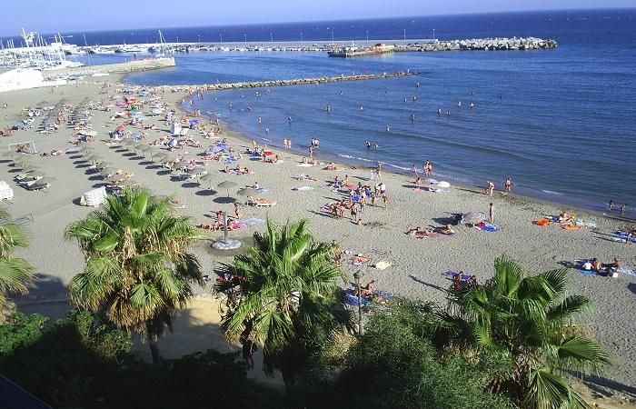 Playa Bajadilla i Marbella