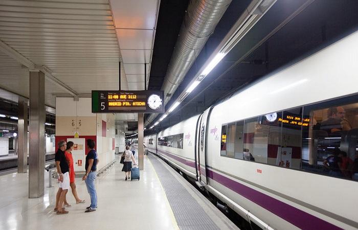 Goldcar bilutleie Barcelona togstasjon