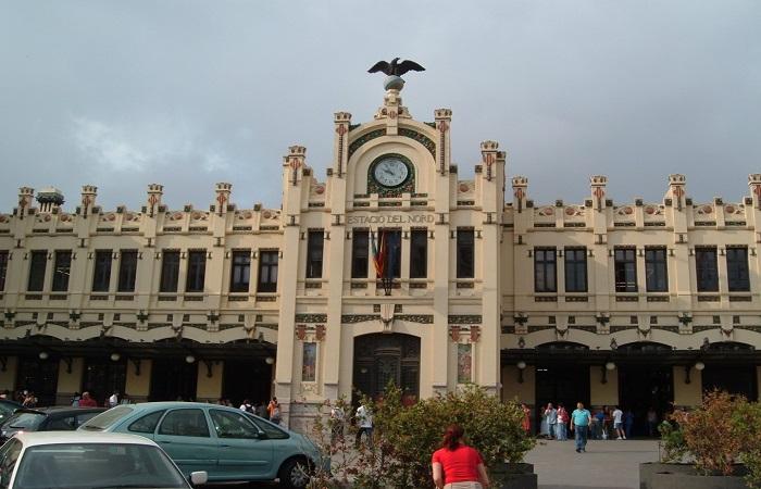 Goldcar Bilutleie Valencia Jernbanestasjon