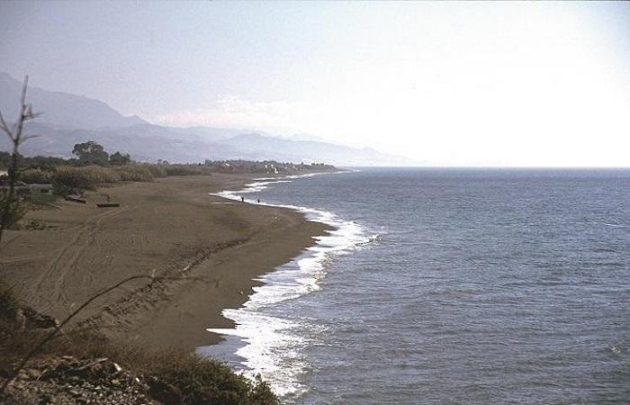Nakenstrand Almayate Beach i Torre del Mar