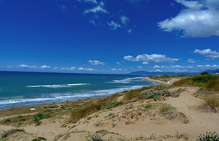 Nakenstrand Artola Beach i Marbella