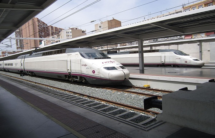 Leiebil Avis Alicante Togstasjon
