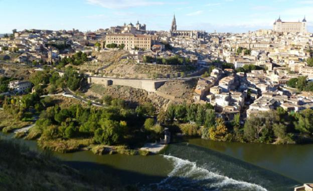 Opplev Spansk historie med leiebil